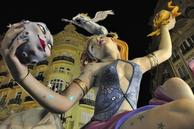 Las_Fallas_Valencia_juggling-666