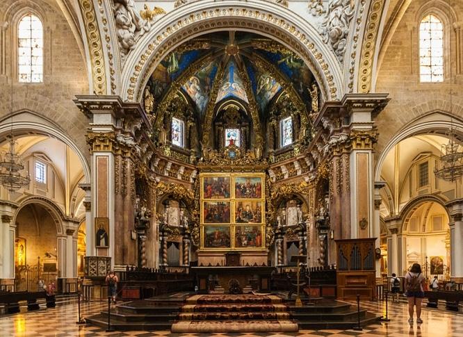 Catedral_de_Valencia,_Valencia,_España,_2014-06-30,_DD_145
