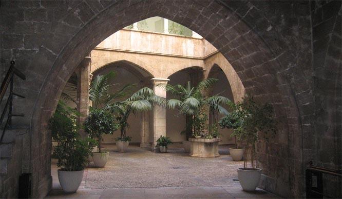 Patio del Palau de l´dAlmirall