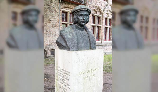 Busto de Luis Vives en Brujas, Bélgica