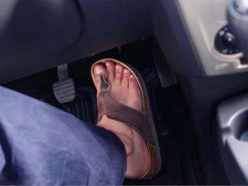 Para evitar multas conduce bien... vestido