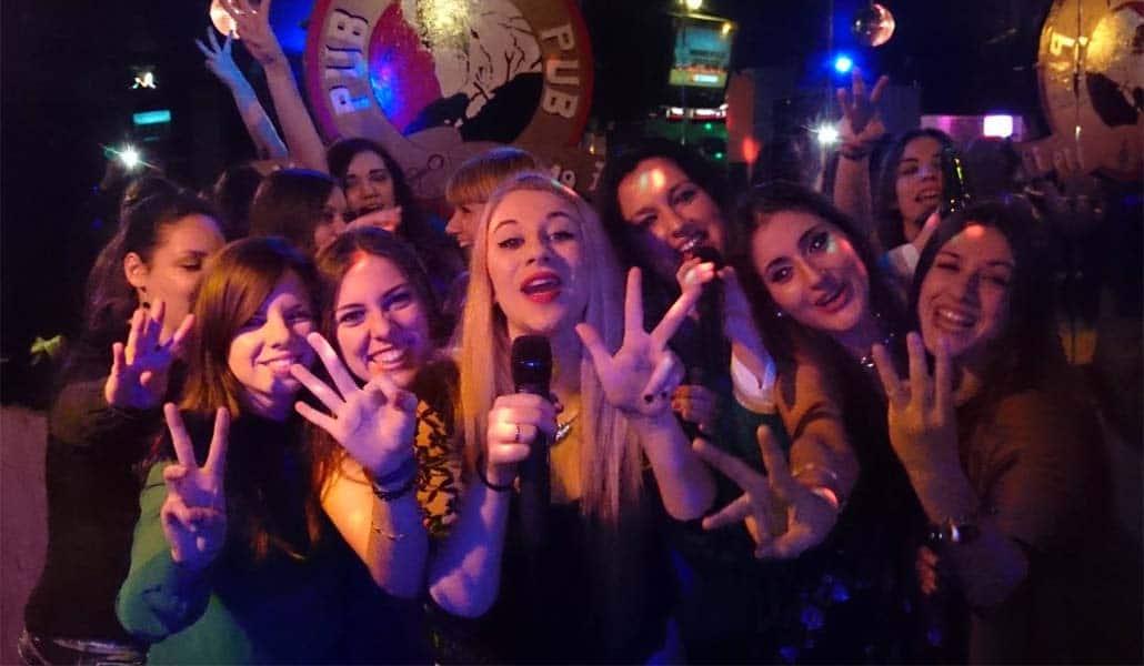 Coge el micro, coge el poder: ven al karaoke