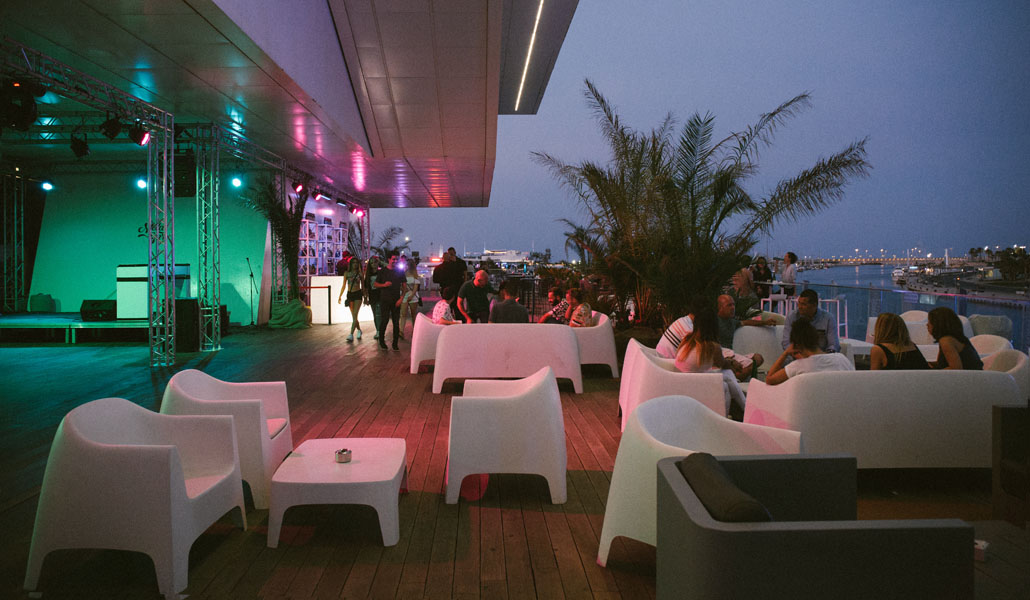 terraza mar puerto valencia