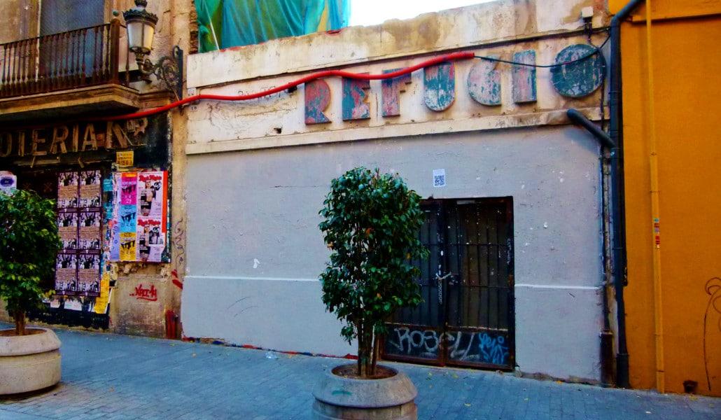 refugio calle serranos valencia
