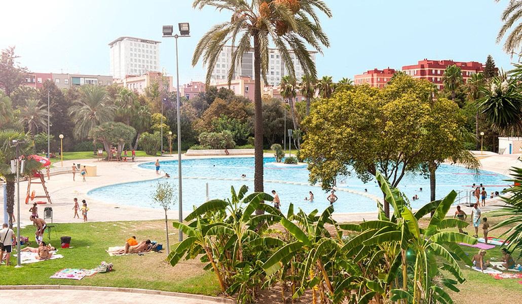 Las piscinas municipales de valencia tambi n molan for Piscina parque benicalap