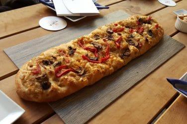 coca valenciana pizza