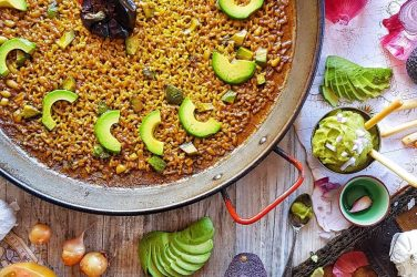 rice paella valencia aguacate